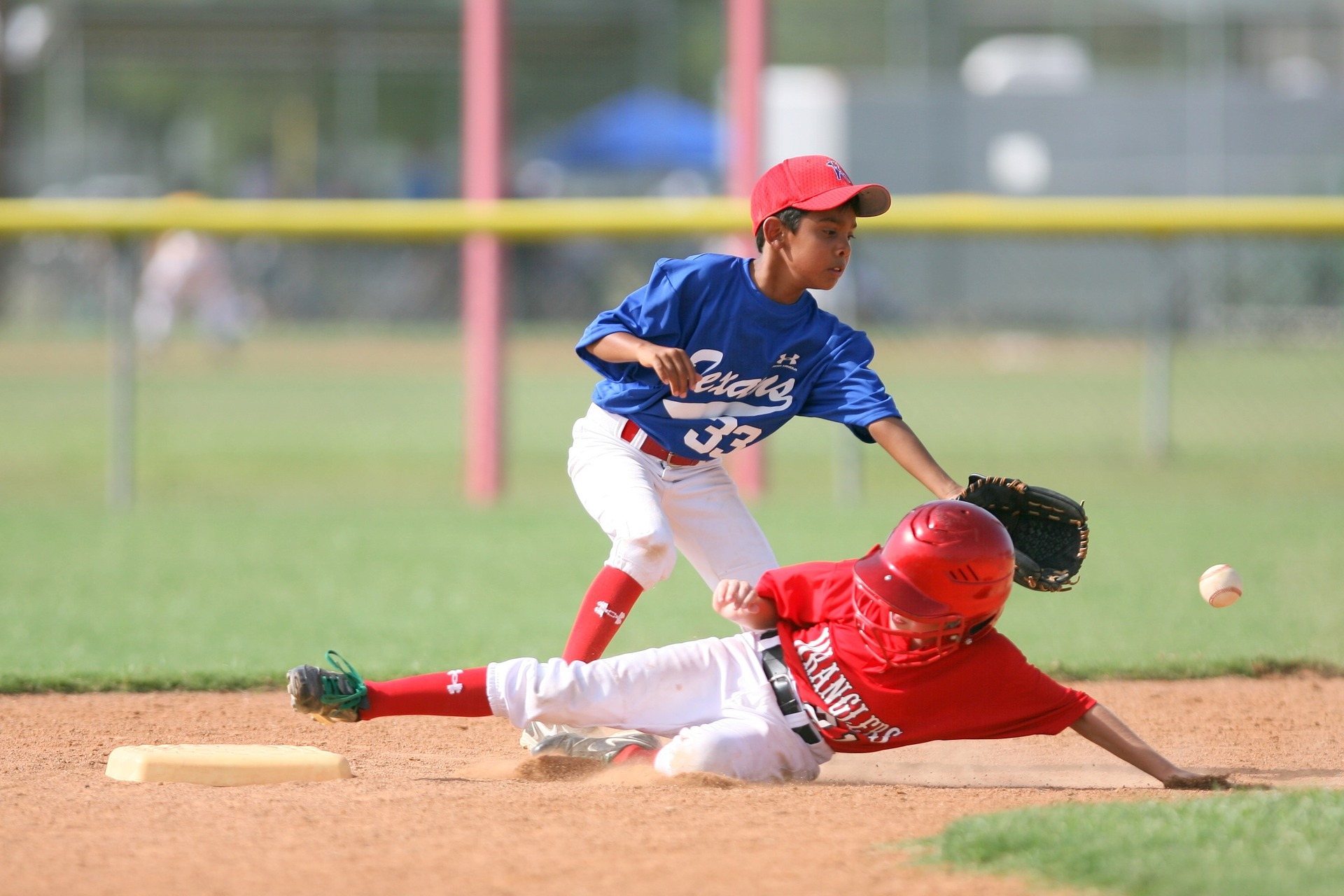 Early Sports Specialization - children playing baseball