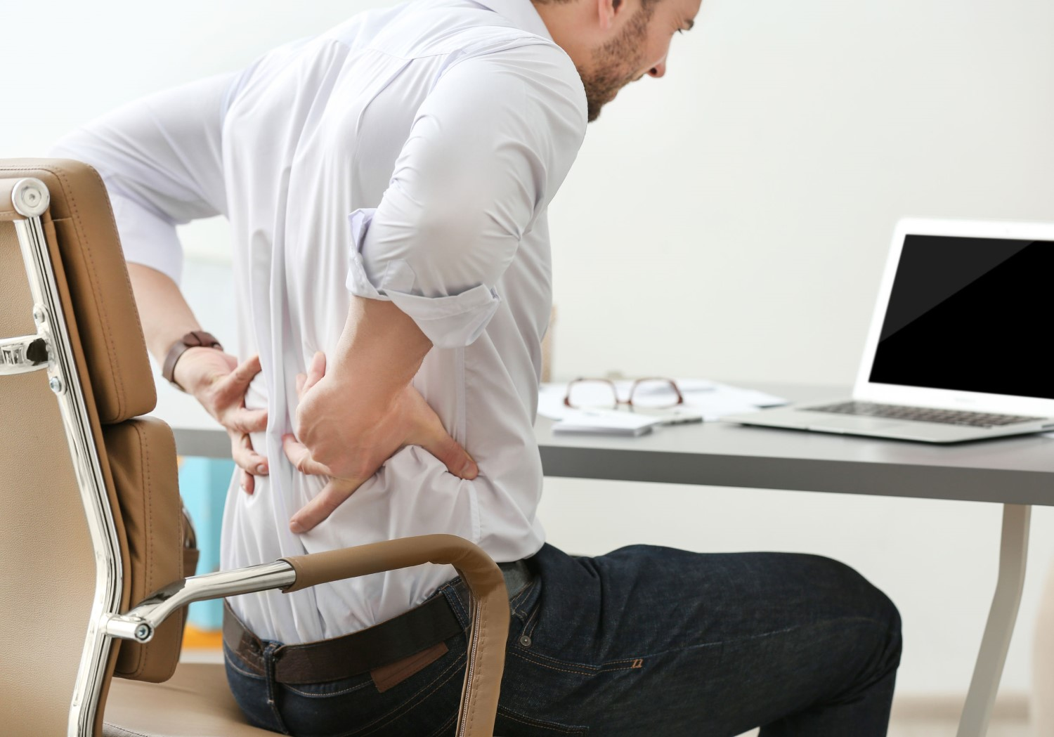Back and Neck Pain Relief in Mesa - man in back pain